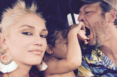 Gwen Stefani poses with Blake Shelton, son Apollo: 'Love u guys'