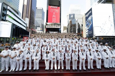 Parade of Ships kicks off Fleet Week in New York