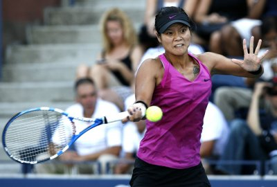 Li back in Aegon Classic semifinals