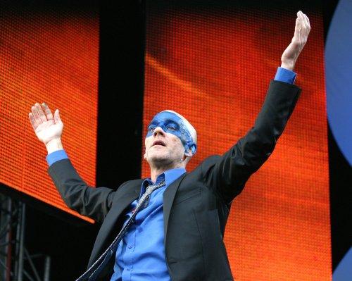 R.E.M. breaks up