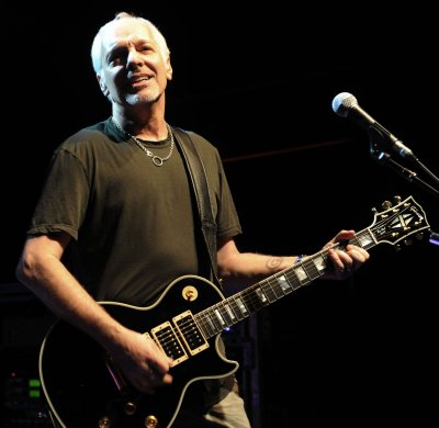 Peter Frampton suffers whiplash in crash