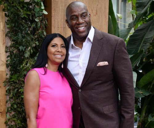 Magic Johnson returns to Los Angeles Lakers in advisory role