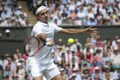 Stan Wawrinka, Roger Federer advance to Miami Open