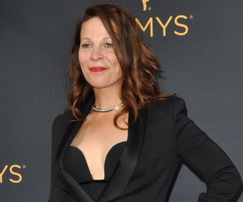Lili Taylor, Janeane Garofalo to star in 'Marvin's Room' on Broadway