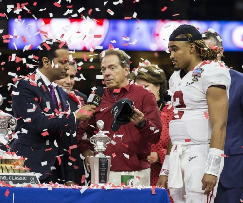 Nick Saban deals with talk that Jalen Hurts might leave Alabama Crimson Tide