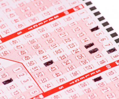 Lucky 'sign' leads man to $630,000 lottery jackpot