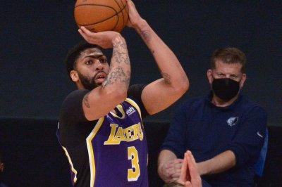Lakers star Anthony Davis to return Thursday vs. Mavericks