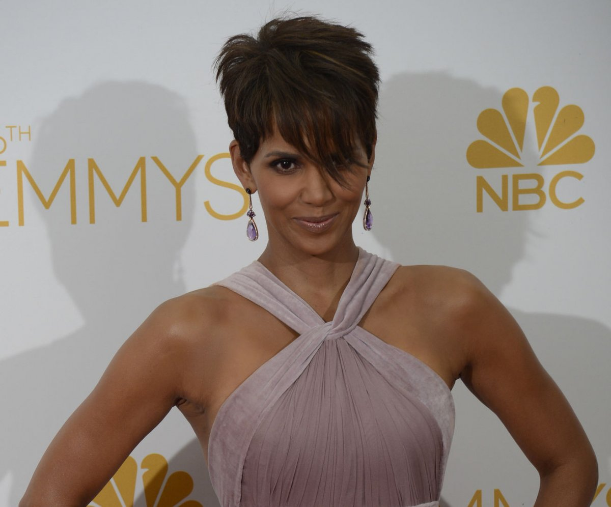 halle berry takes ex to court over daughter's hair - upi