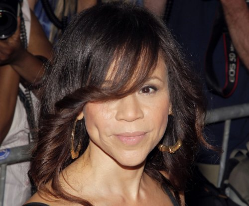 Rosie Perez tearfully announces she is leaving 'The View' on Wednesday's show