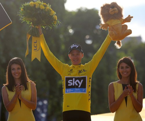 Tour de France: Chris Froome set to win third title