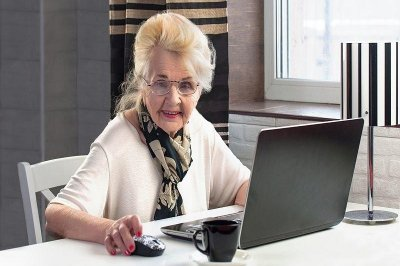Seniors slow to embrace online access to doctors, survey says