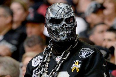 Last Hurrah? Raiders strike back after Oakland lawsuit