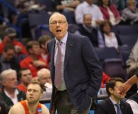 Syracuse coach Jim Boeheim hits, kills man with car