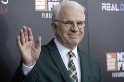 Steve Martin says he was vaccinated for COVID-19 in NYC
