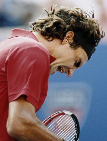 Federer, Djokovic reach U.S. Open semis