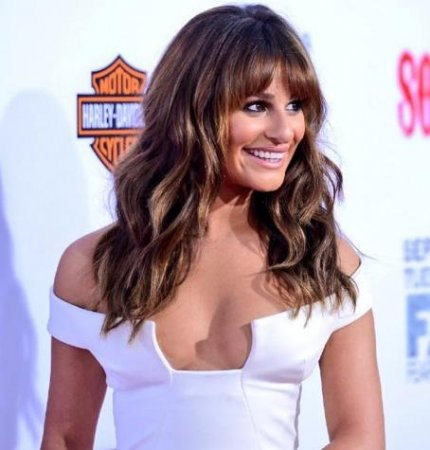 Lea Michele dons revealing white dress at 'Sons of Anarchy' premiere