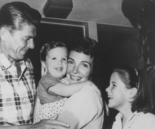 Reagan would be 'appalled' by GOP candidates, daughter says
