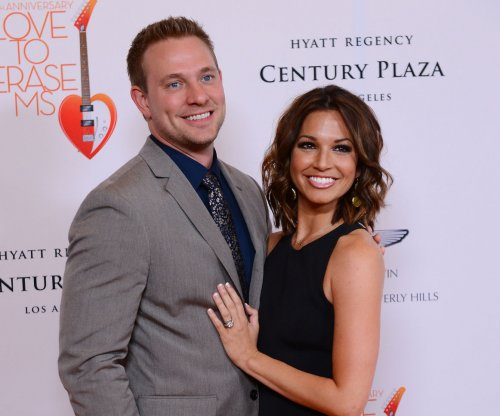 Melissa Rycroft gives birth to third child, a boy