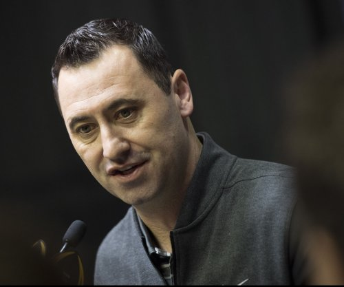 Atlanta Falcons hire Steve Sarkisian as offensive coordinator