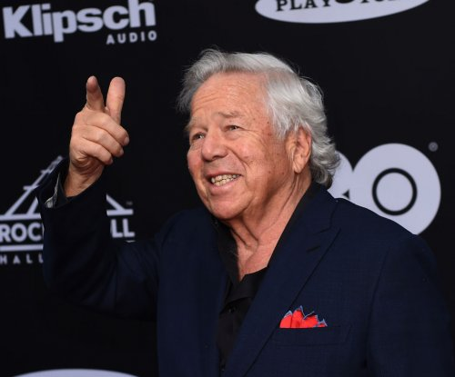 Patriots owner Kraft 'deeply disappointed' with Trump's anthem protest comments