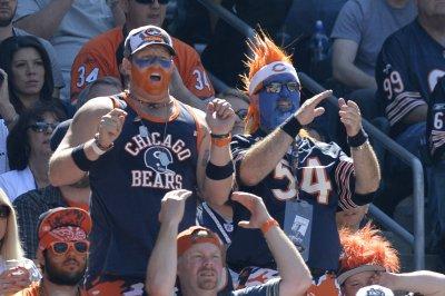 Chicago Bears sign long snapper Tanner Carew