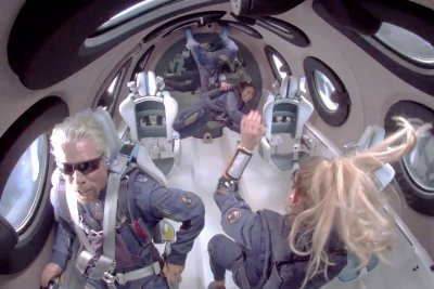 FAA grounds Virgin Galactic amid spaceflight 'mishap' probe