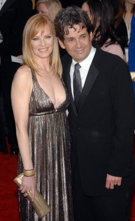 Helgenberger files for divorce