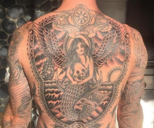 Adam Levine completes massive back tattoo