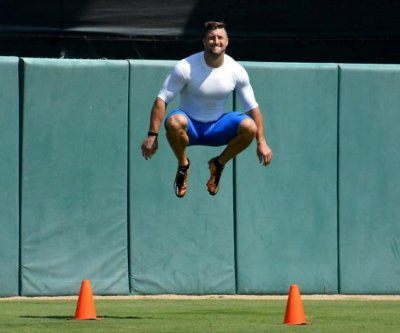 MLB Scouts on Tim Tebow tryout: 'complete waste of time', 'batting practice was impressive'