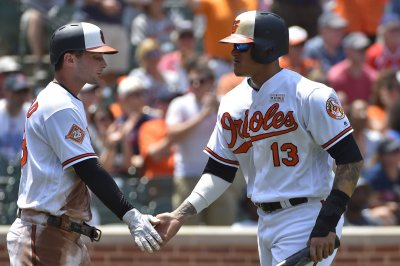 Baltimore Orioles' Manny Machado leaves game with 'left wrist soreness'