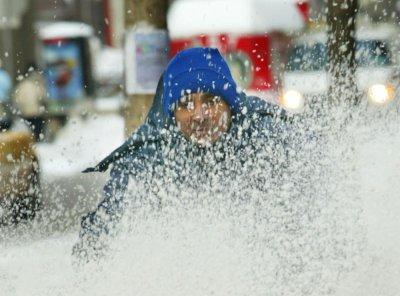 Chicago man shot in snowblower heist