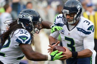 Russell Wilson, Seattle Seahawks stomp Baltimore Ravens, lose RB Thomas Rawls
