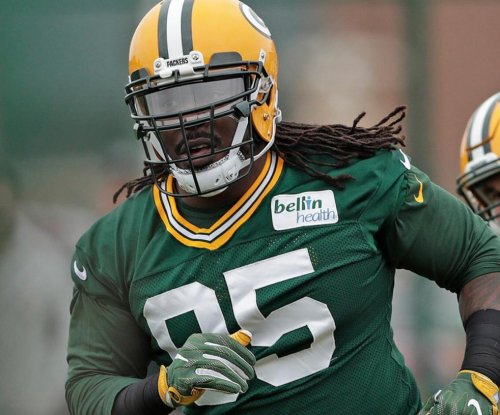 Ricky Jean Francois: Green Bay Packers sign defensive tackle