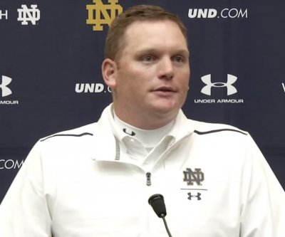 Notre Dame parts ways with offensive coordinator Chip Long