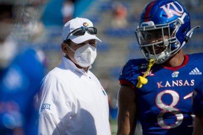 Kansas Jayhawks football coach Les Miles tests positive for COVID-19