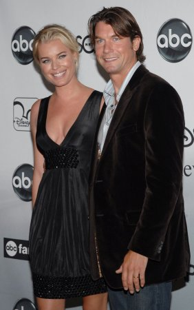 Romijn-O'Connell pregnant with twins