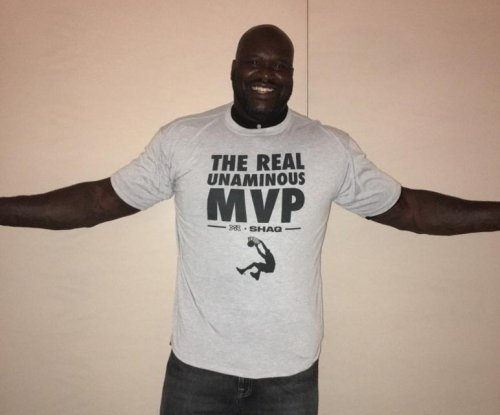 Shaq shades Stephen Curry with misspelled t-shirt