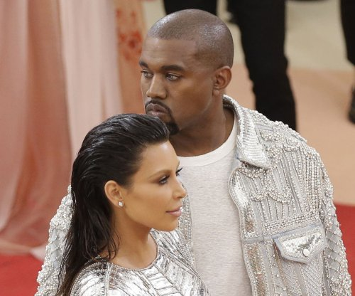 Kanye West to debut 'Famous' music video during live streamed event