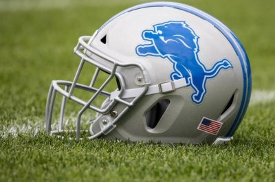 Lions re-sign CB Shead