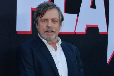 Mark Hamill reads Tweet Dreams for 'Late Late Show'