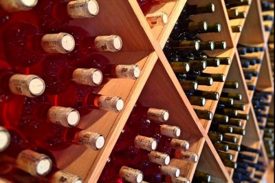 As low-end wine prices fall, premium varieties likely won't budge