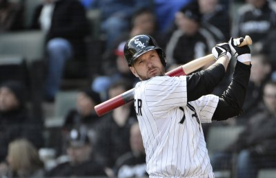 MLB: Chicago White Sox 5, Kansas City 2