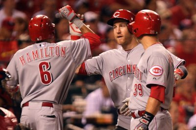 Hamilton, Cincinnati Reds hold off Minnesota Twins