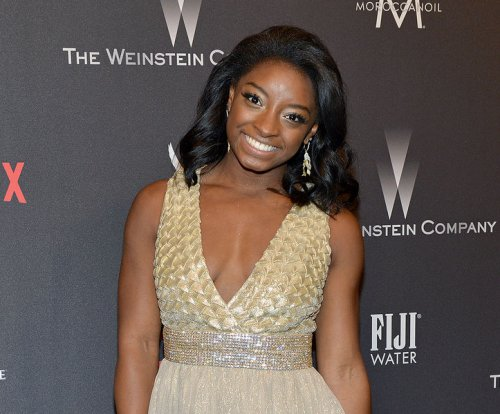 Simone Biles reconciles with 'DWTS' host after 'smiling' remark