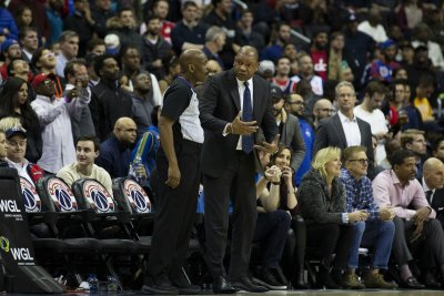 Doc Rivers does splits on sideline, jokes he tore ACL