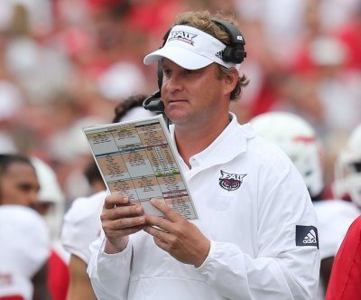 Florida Atlantic football coach Lane Kiffin fined $5K for blind refs tweet