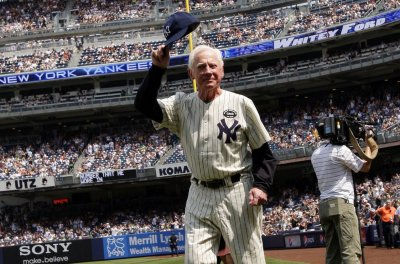 Former New York Yankees pitcher Edward 'Whitey' Ford dies at 91