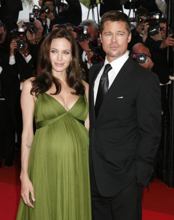 Jolie, Pitt renting, not buying chateau