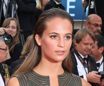 Alicia Vikander to star in new 'Bourne' film