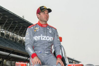 Will Power holds off Tony Kanaan for victory at Road America